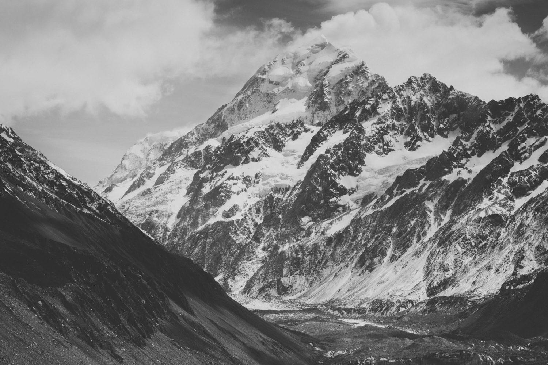 Mount Cook in Schwarz-Weiß
