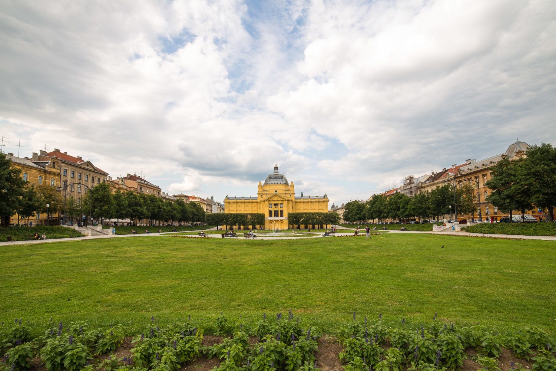 König-Tomislav-Platz mit Blick auf den Kunstpavillon