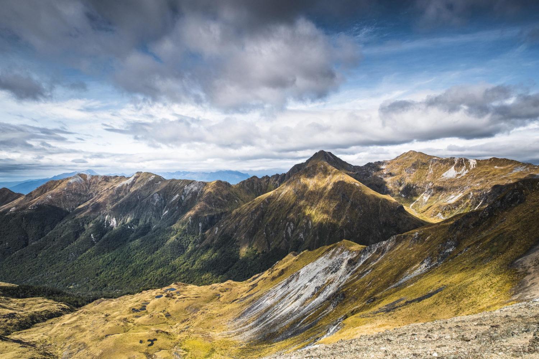 Blick vom Mount Luxmoreauf die umliegenden Berge