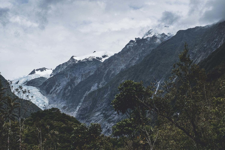 Southern Alps und Gletschermoräne des Fox-Glacier