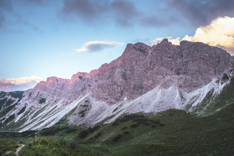 Lachenspitze an der Landsbergerhütte beim Sonnenuntergang