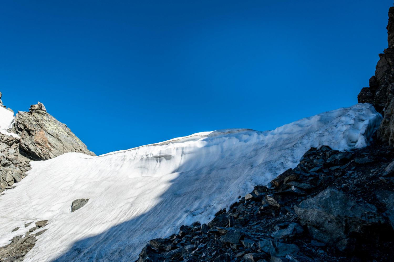 Altschneebrett an der Zischgelesscharte auf der Sellrainer Hüttenrunde